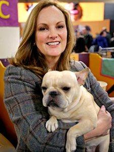 patty_hearst me qenin e saj bulldog francez
